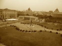 Wien; Heldenplatz (2013) ©Paul Divjak